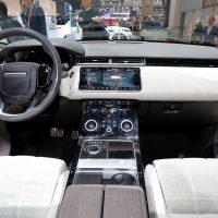 Range Rover Velar Costs Range Rover Sport Money in Geneva, Feels Lavish — autoevolution10