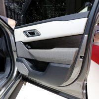 Range Rover Velar Costs Range Rover Sport Money in Geneva, Feels Lavish — autoevolution11
