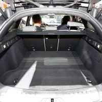 Range Rover Velar Costs Range Rover Sport Money in Geneva, Feels Lavish — autoevolution13