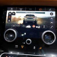 Range Rover Velar Costs Range Rover Sport Money in Geneva, Feels Lavish — autoevolution19