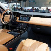 Range Rover Velar Costs Range Rover Sport Money in Geneva, Feels Lavish — autoevolution20
