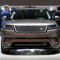 Range Rover Velar Costs Range Rover Sport Money in Geneva, Feels Lavish — autoevolution26